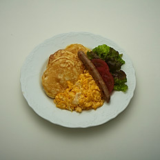 スクランブルWITHソーセージパンケーキ