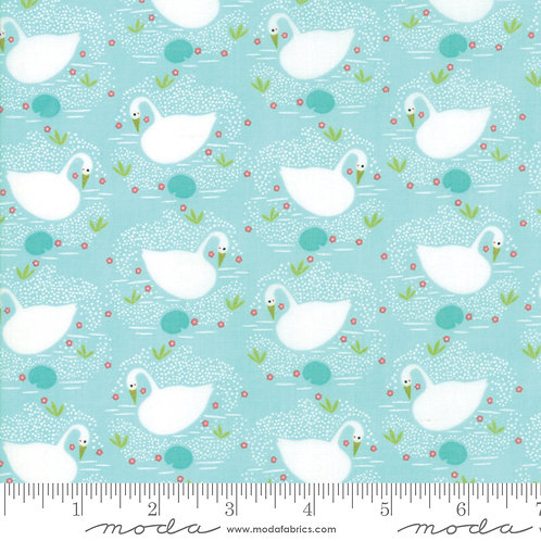 Enchanted 48252 13 Mint Swans