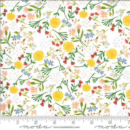 On the Farm 20704 11 White Floral Moda Stacy Iest Hsu