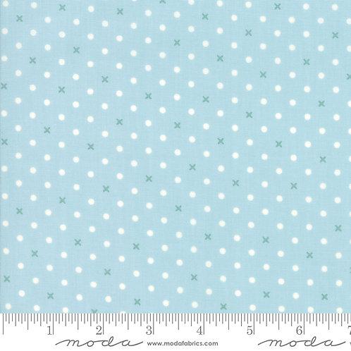 Bramble Cottage 18695 13 Blue Dots B Riddle Moda