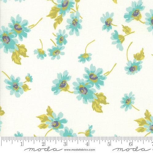 Flour Garden 23321 11 White Floral Moda Linzee McCray