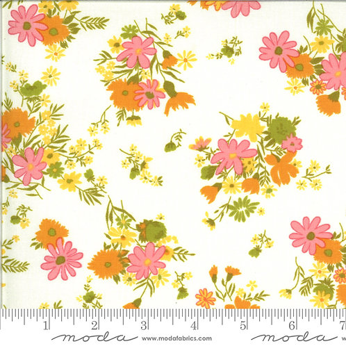 Blooming Bunch 40042 11 White Floral Moda Maureen McCormick
