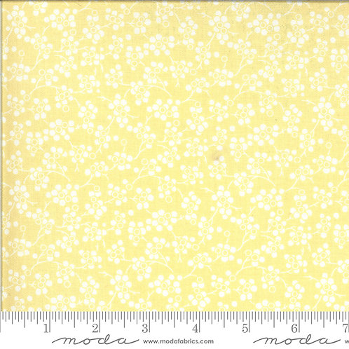 Figs & Shirtings 20395 26 Yellow White Floral Moda Fig Tree
