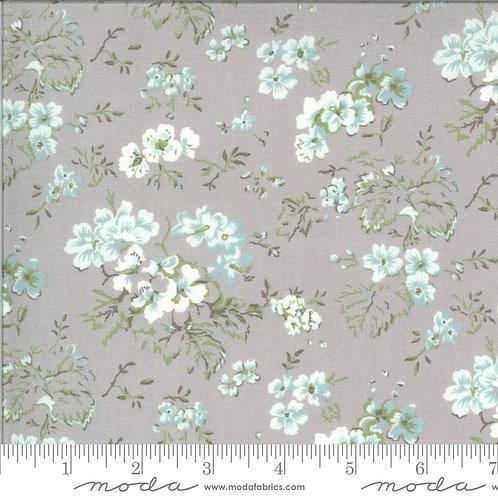 Dover 18700 14 Gray Floral B Riddle Moda