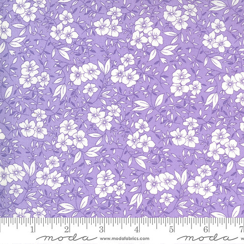 30's Playtime 33592 22 Lilac Floral Moda Chloe's Closet