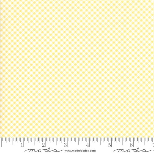 CATALINA 20375 18 Yellow Check Moda FIG TREE Floral