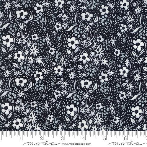 Farm Charm 48295 12 Black Floral Moda Gingiber