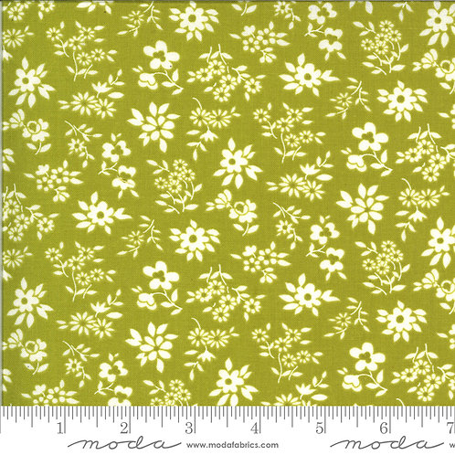 Blooming Bunch 40044 18 Green Floral Moda Maureen McCormick