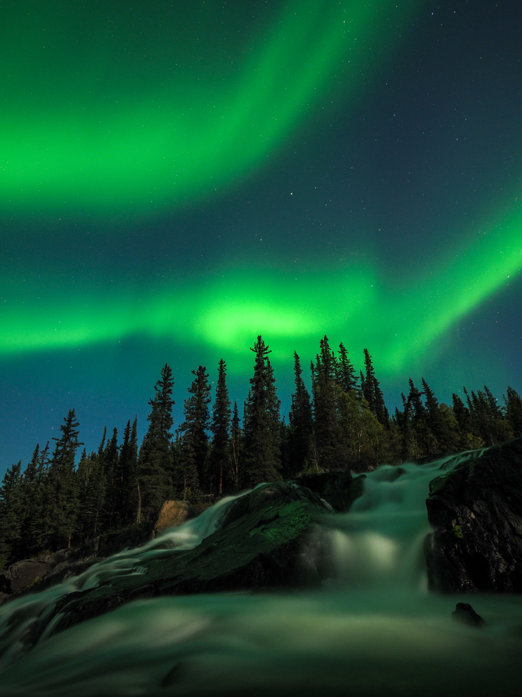 NorthernLIghts_CameronFalls
