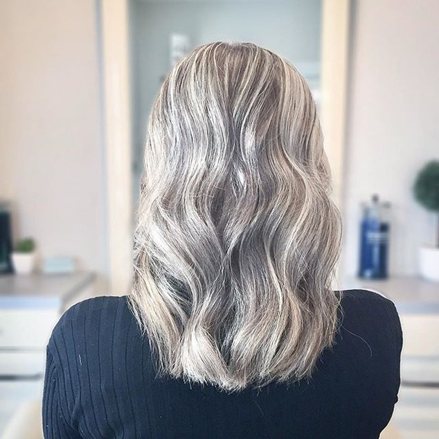 KEEP CALM & STAY BLONDE🖤_✧_✧_✧_✧_#americansalon #balayage #haircolor #vegan #glutenfree #hairproducts #keratin #keratintreatment #hairextent