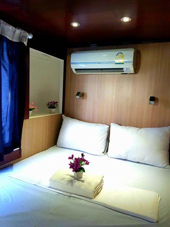 Double Cabin.jpg