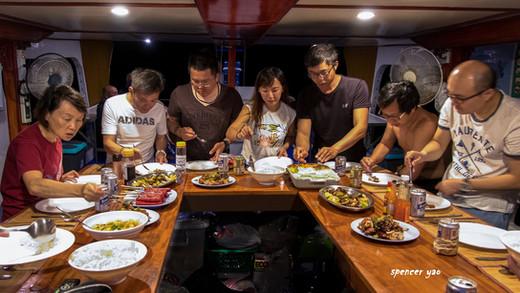Coopers Narayana Dinner onboard.jpg