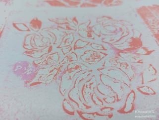 Gelli-Plate: Acryl mit Schablonen, Materialübersicht & erste Erfahrungen #KreativeFantasy