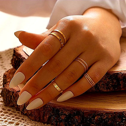 MINIMALIST STACKING RING SET (10 Pieces) // Gold