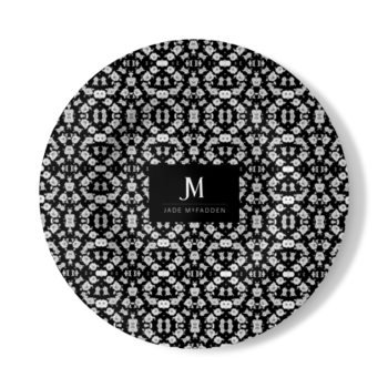 JM COMPANY FIGURE EIGHT FLORAL PRINT WALL PLATE // Black & White