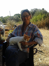 meet the volunteers of vrouva farm