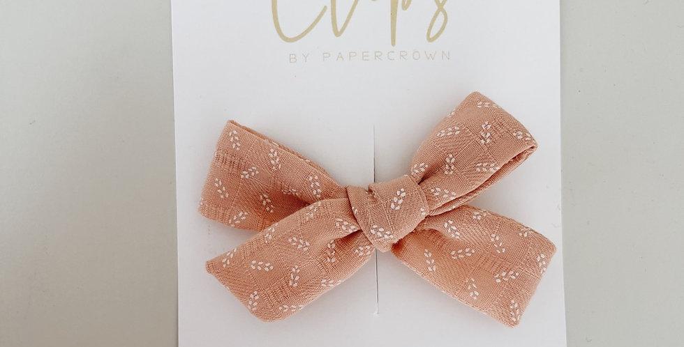 Blush single bow