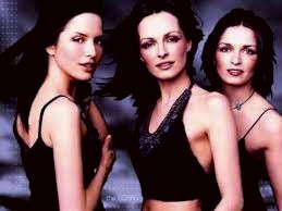 Think Irish people usually have red hair and blue eyes?  Actually, sisters Andrea, Sharon, and Caroline Corr of the Irish band, The Corrs, have the brown hair and fair skin that's more typical of the Irish.