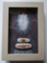 shadow box Bild, mixed media (handgesch. Papier, Stein, Vergoldung, Feder u.a.).jpg