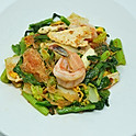 Stir-Fried Glass Noodles with Chicken & Shrimp / สุกี้แห้งไก่กับกุ้ง