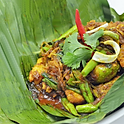 Spicy Chicken in Banana Leaf / หอนึ่งไก่