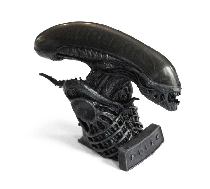 IN SPACE NO-ONE CAN HEAR YOUR NOVELTY XENOMORPH ALARM CLOCK