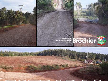 Estrada Alfredo Rasche, em Linha Pinheiro Machado, recebe manutenção e melhorias