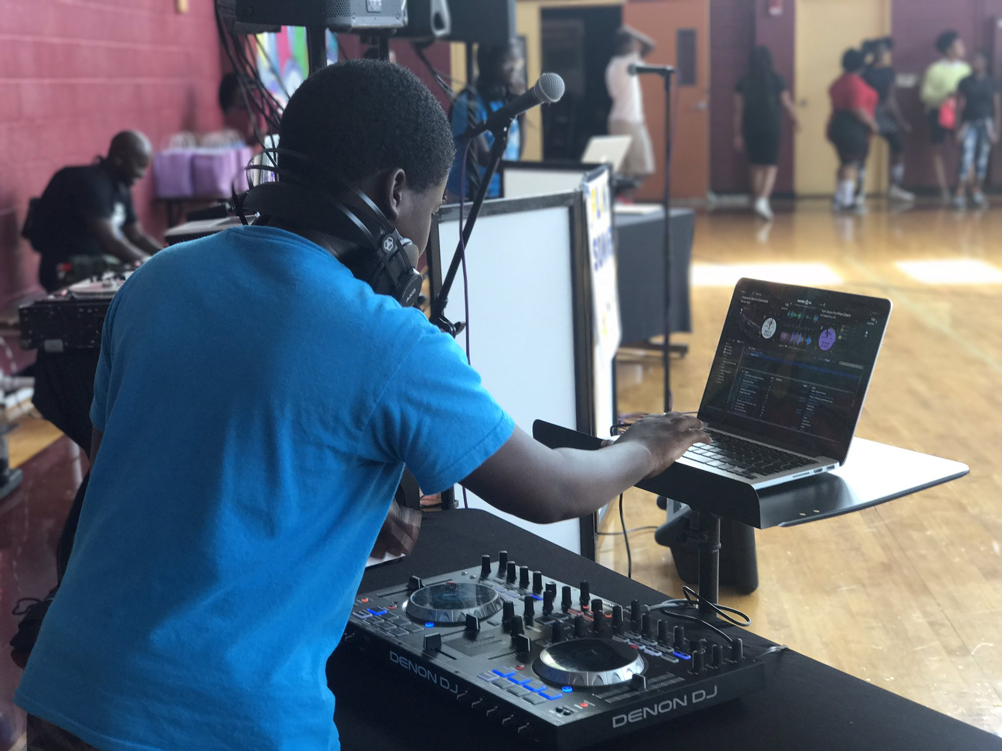 Overtown Youth Center DJ Battle