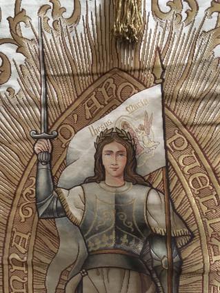Magnifique expositions de bannières à la Cathédrale de Troyes