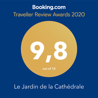 Merci à nos hôtes booking.com qui nous disent leur bonheur de séjour au Jardin de la Cathédrale