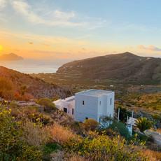 La maison au coucher de soleil