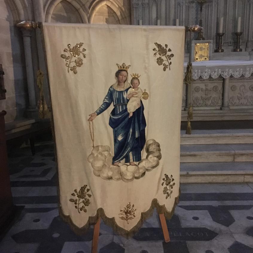 Bannières à la Cathédrale de Troyes