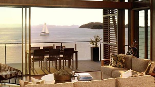 Yacht Club Villa 17