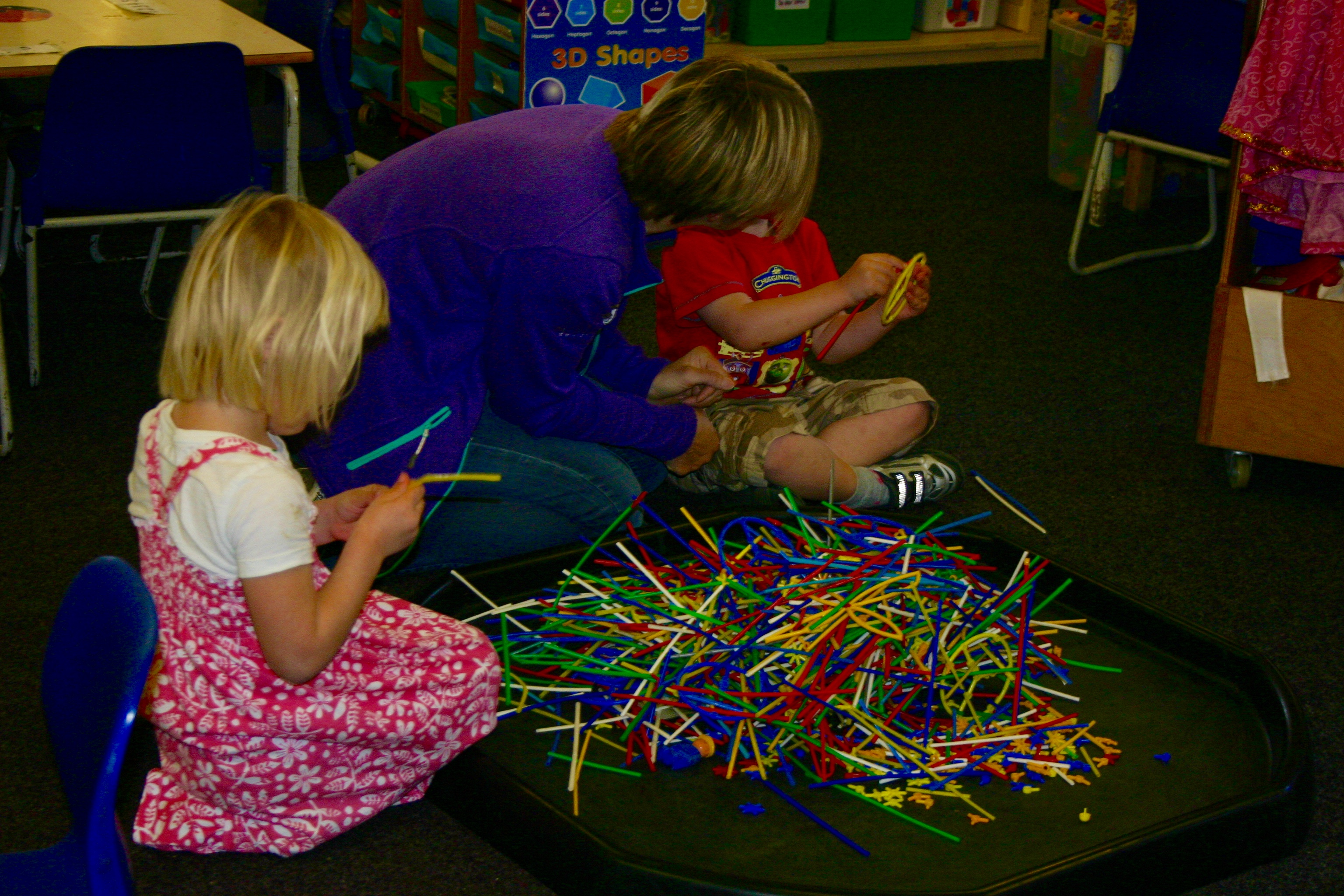 Construction with straws