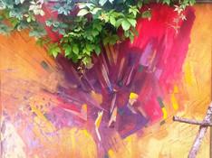 Sarkani-oranžais darbs Tējas Istabas dārzā.