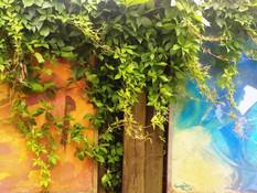 Noskaņas Tējas Istabas dārzā.