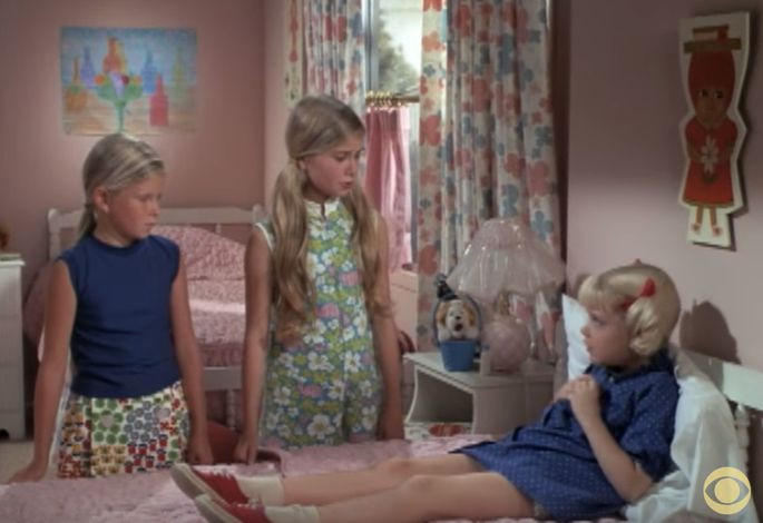 The Brady girls' bedroom had walls painted pink.CBS/YouTube