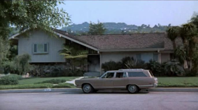"""The front exterior of the house as it appeared on the """"Brady Bunch""""   CBS/YouTube"""