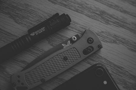 gray%20pocketknife_edited.jpg