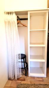 Le placard de la chambre, très pratique.