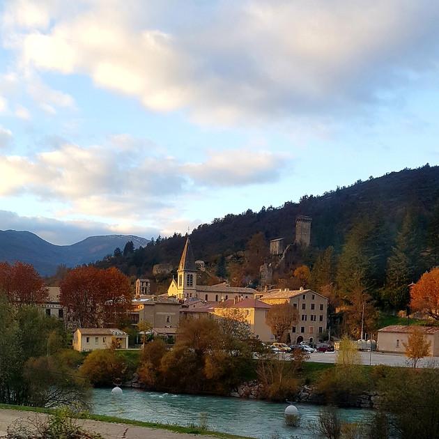 Castellane se trouve à 10 km