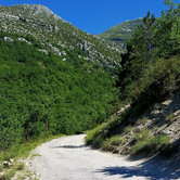 road to Chasteuil