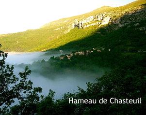 Village de Chasteuil a 900 m