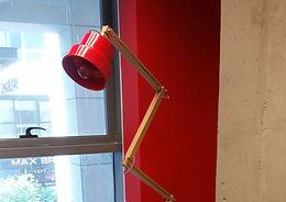 ייצור ועיצוב גופי תאורה למשרדים