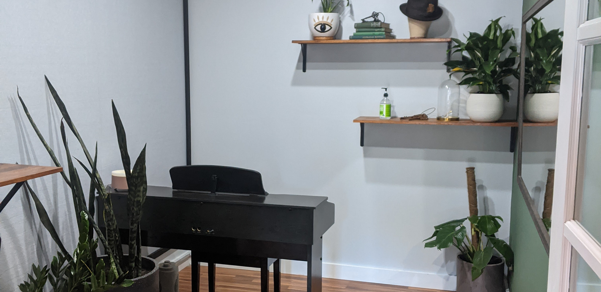 Small Vocal Studio