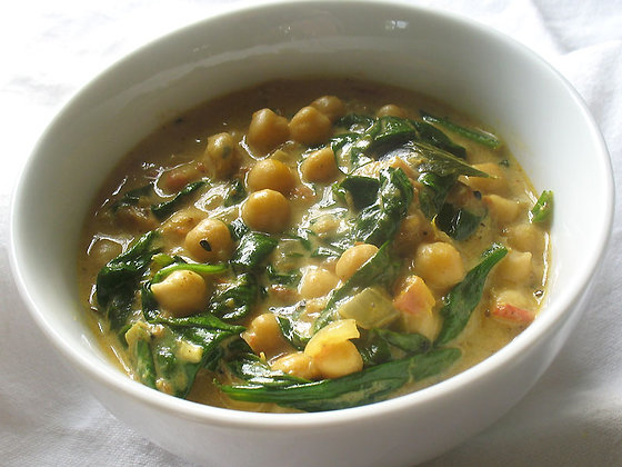 indian chickpeas & spinach w/onion gravy