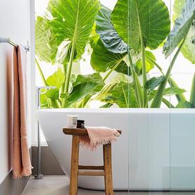 Such a beautiful bathroom in @nickhayes.