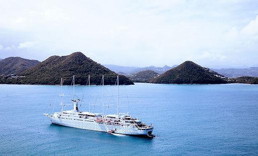 Cruise Boat på vandet