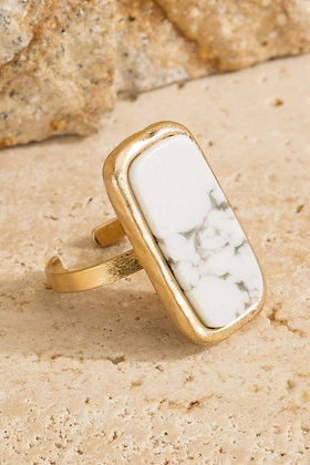 Esmeralda Rectangle Gemstone Rings