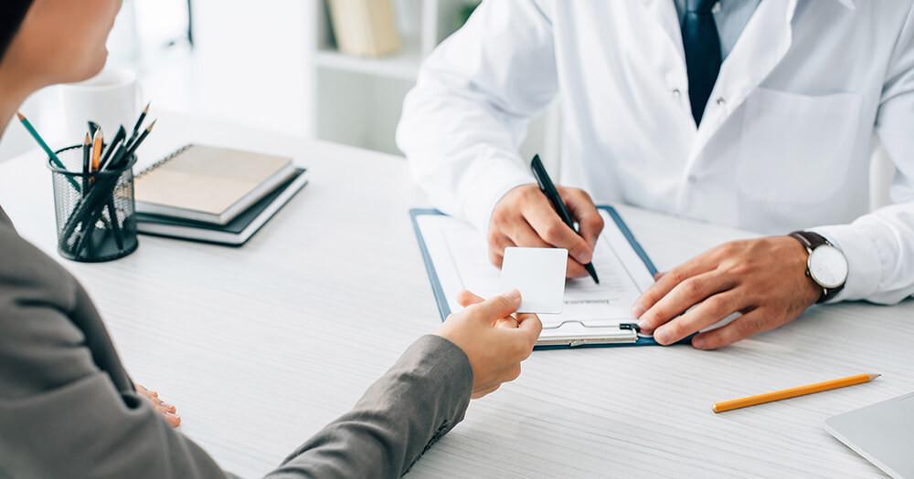 審美歯科と保険診療・自費診療